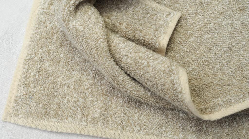 Handtuch Leinenfrottée weich col. 3 Aussenmaterial 100 % Leinen, inneres Stützgewebe: 100 % BW - linenterry towel col. 3 soft outside: 100 % linen, inner elements: 100 % co