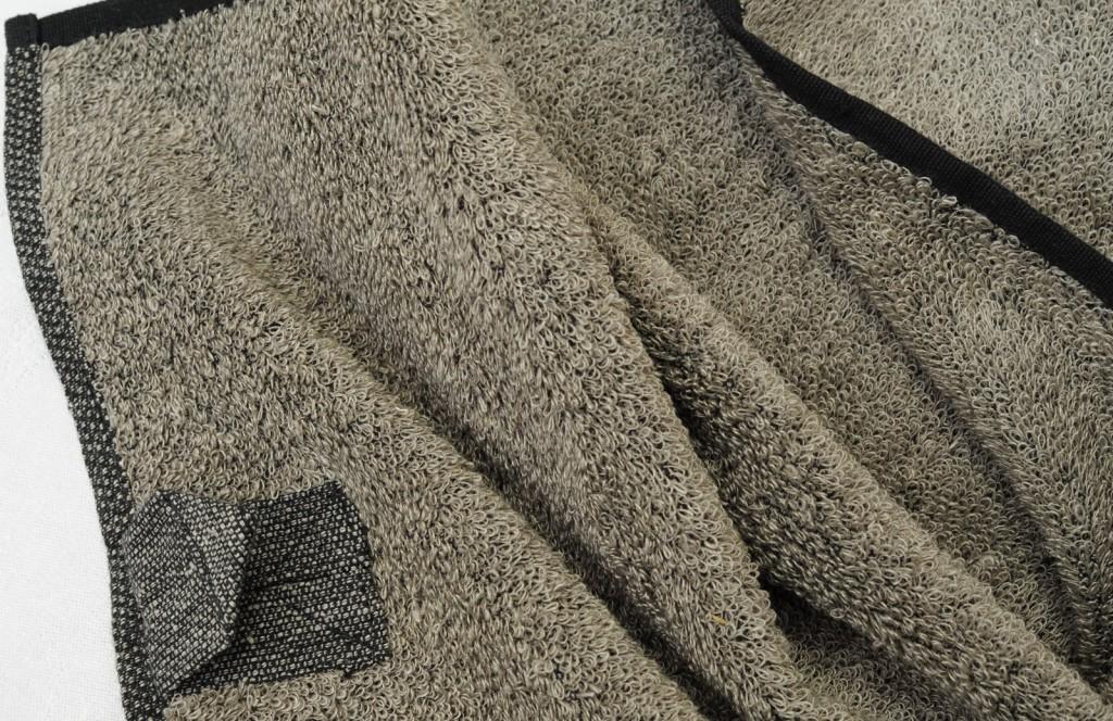 Handtuch Leinenfrottée mit Massageeffekt col. 1 Aussenmaterial 100 % Leinen, inneres Stützgewebe: 100 % BW - linenterry towel col. 1 rough outside: 100 % linen, inner elements: 100 % co.