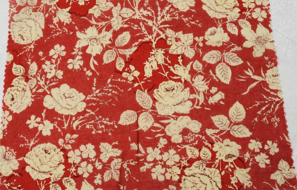 1070 rotes Rosenmotiv Handdruck 110 cm 100 % BW - 1670 red roses handprint 110 cm 100 % cotton